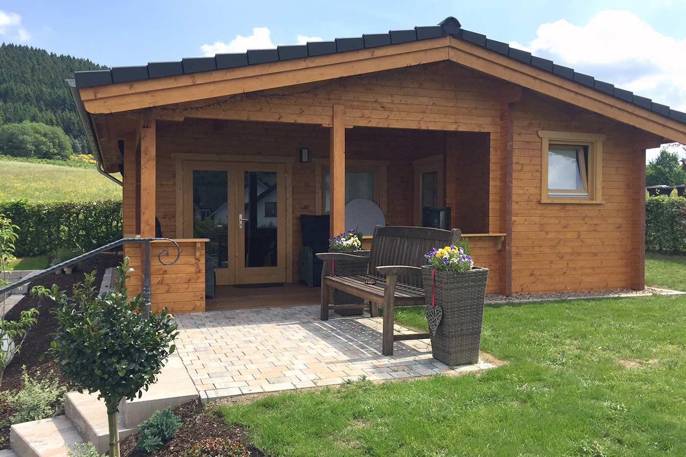 gartenhaus 4545 v 90 4 50 x 4 50 m vordach 2 00 m kranenberg. Black Bedroom Furniture Sets. Home Design Ideas